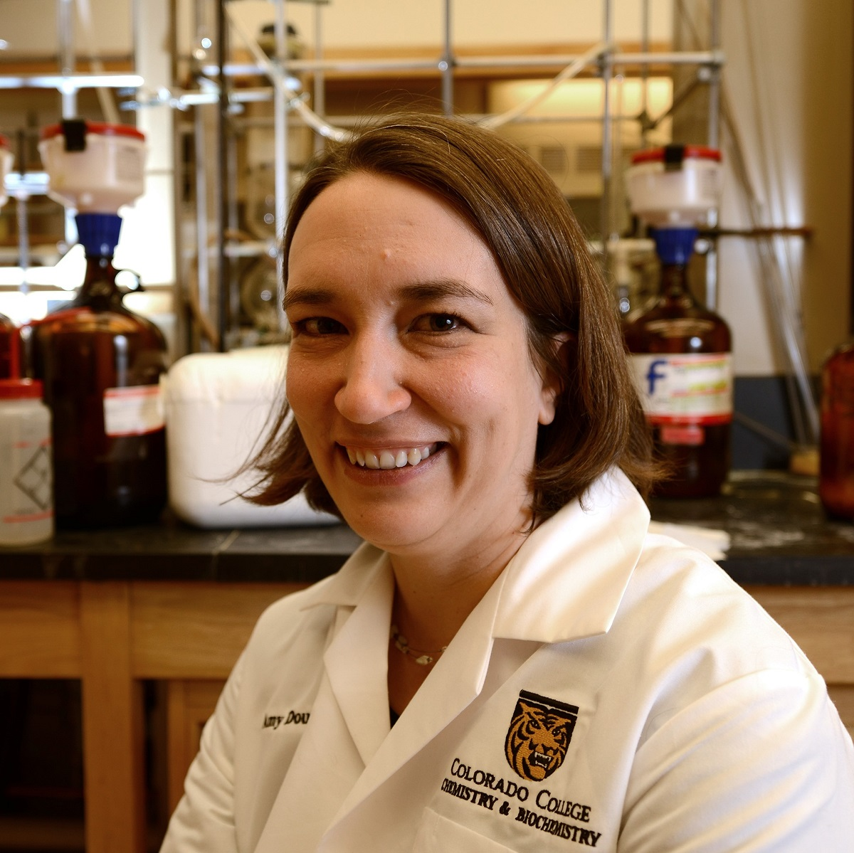 Amy Dounay '96 Publishes in Journal of Chemical Education